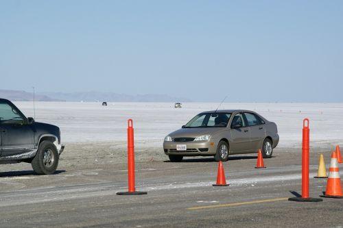 druskos butai,Bonnevilis,Wendover,Utah,usa,automobiliai,pastatytas,butas,dykuma,ežeras,lenktynės,trasa,varzybos,horizontalus,lenktynių takas