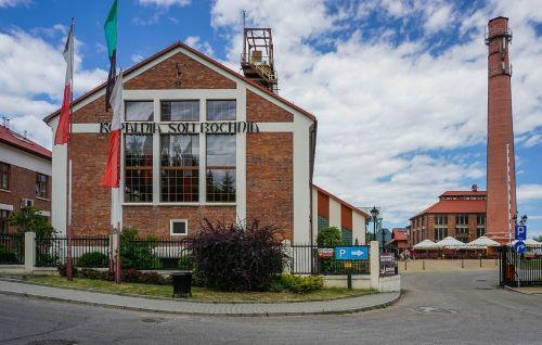 druskos kasykla,pastatas,bochnia,Lenkija,paminklas,kaminas,vėliavos,plyta,architektūra,senas
