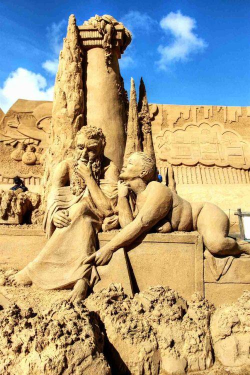 smėlis,smėlio skulptūros,sandworld,smėlio skulptūra,statula,skulptūra,meno kūriniai,trumpalaikis laikotarpis,smėlio nuotrauka,menininkai,menas,rankos,pasaulis