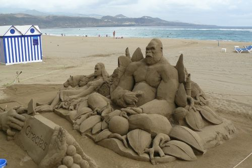smėlio figūra,smėlio skulptūra,smėlio menas,skulptūra,ape,smėlio pelėsiai,papludimys,jūra,šventė,atostogos,smėlio paplūdimys