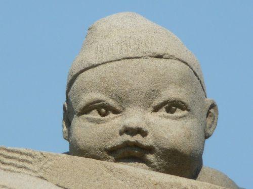 smėlio skulptūra,kūdikis,veidas,ežero konstanta,Rorschach