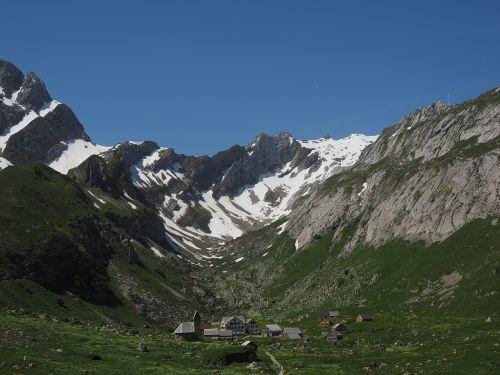 säntis,Bergdorf,meglisalp,Alpių kaimas,appenzell,vidausrhoden,Alpsteino regionas,Kelionės tikslas,bažnyčia,namai,koplyčia,migracijos tikslas