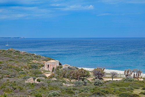Sardinija, Pietryčių pakrantėje, papludimys, Capo di Carbonara, jūra, dangus, vanduo