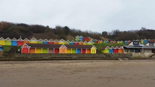 Scarborough,paplūdimio nameliai,papludimys,pajūryje,šviesus,nameliai,spalvinga,šventė,Jorkšyras
