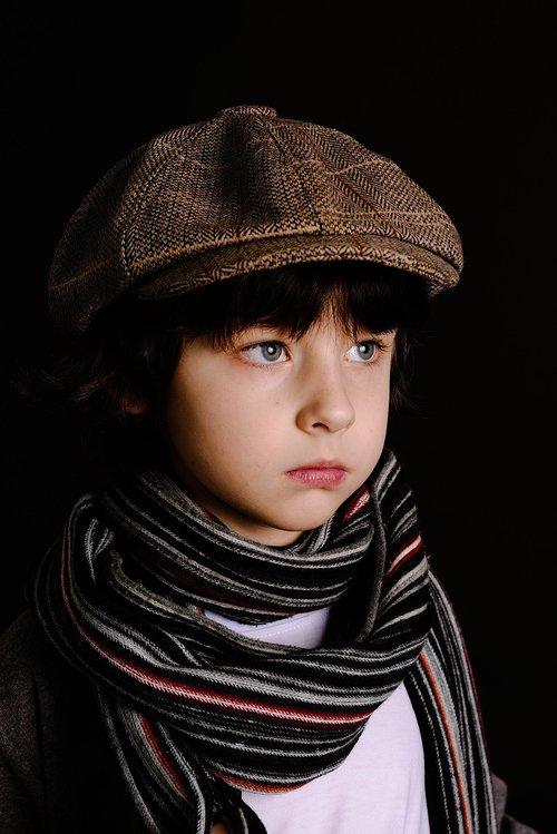 skara, mada, vienas, portretas, žmonių, berniukas modelis, vyras, tamsa, paauglių, Vaikų mados, muzikantas, vaikai modelis, kelia, moksleivis, elegantiškas, minimalizmas, berniukas, modelis, aktorius, kūdikis