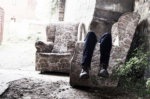 depresija, liūdesys, nužudymas, mąstymas, protas, nuolydis, moteris, likimas, žmonės, pėdos, pėdos, batai, avalynė, sofa, senas, baugus, Halloween, fonas, pagalba, siaubas, verkimas, ašaros, kovoti, baugus