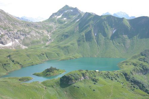 schrecksee,hochgebirgssee,Allgäu Alpės,ežeras,vanduo,sala,ežeras su sala,boko kaip aukštas slėnis,aukštas slėnis,bik like,lahnerscharte,lahnerkopf,sala ežere,jūros sala