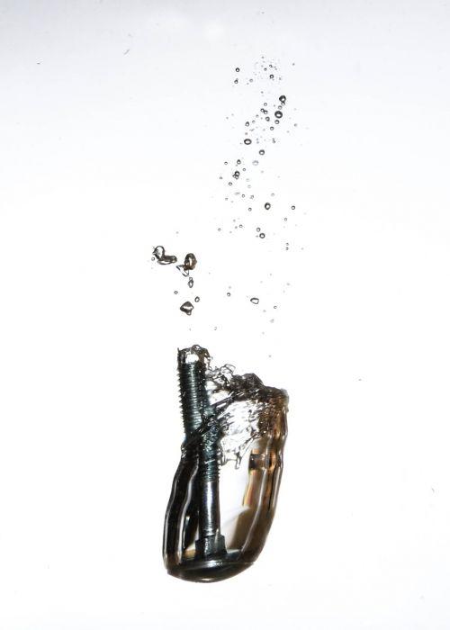 varžtas,vanduo,burbulas,panardinimas