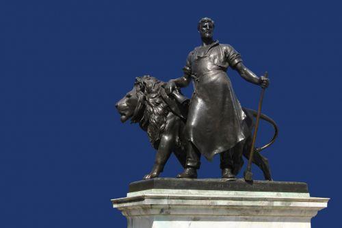 smith liuo,skulptūra,Bakingemo rūmai,naujojo Zelandijos dovana,Londonas,Britanija,Jungtinė Karalystė,orientyras,Anglija,uk