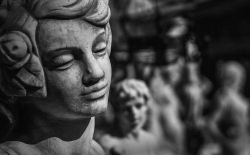 skulptūra,angelas,akmuo,figūra,viltis,tikėjimas,kapinės,veidas,angelo figūra,statula,harmonija,kapinės,gedulas,kummer,simbolis,skaičiai,akmens skulptūra,Uždaryti,fonas,akmens figūra,roko drožyba,kapas,poilsis,trumpalaikis laikotarpis,tylus,mistinis,kapo figūra,Iš arti,juoda ir balta,kapas,akmens figūros,vienatvė,atmintis,senas