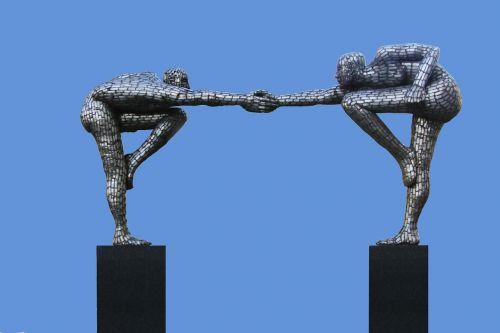 skulptūra,vyrai,harmonija,draugai,Draugystė,draugiškas,patogumas,draugiškas,duoti rankas,purtant rankas,linksmas,džiaugsmas,sėkmingas,novatoriškas,sportiškas