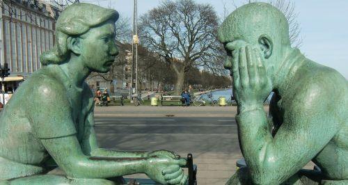 skulptūra,pora,kalbėti,galvoti
