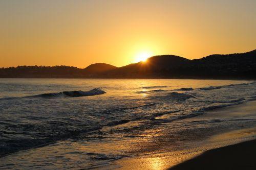 jūra,papludimys,vandenynas,jūrų,jūrų peizažai,pusė,jūrų,bangos,gamta,vanduo,france,saulė,dangus,smėlis,šventė,skalda,šviesa,Krantas,kraštovaizdis,rojus,jūros bangos,vasara,saulėlydis,ramus,oranžinė,apmąstymai,spalvos,twilight,vakaras,ramybė,ramybė,atsipalaidavimas