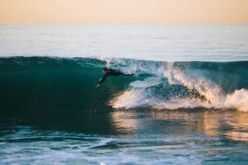 jūra,vandenynas,vanduo,bangos,gamta,žmonės,vyras,vaikinas,nuotykis,papludimys,Rokas,surfer,Sportas,fitnesas,banglenčių sportas