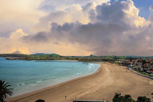 jūra,papludimys,suancos,smėlio paplūdimys vanduo,kraštovaizdis,gamta,banga,debesys,Smėlėtas paplūdimys,Kantabria,Ispanija,turizmas,šventė,ramus