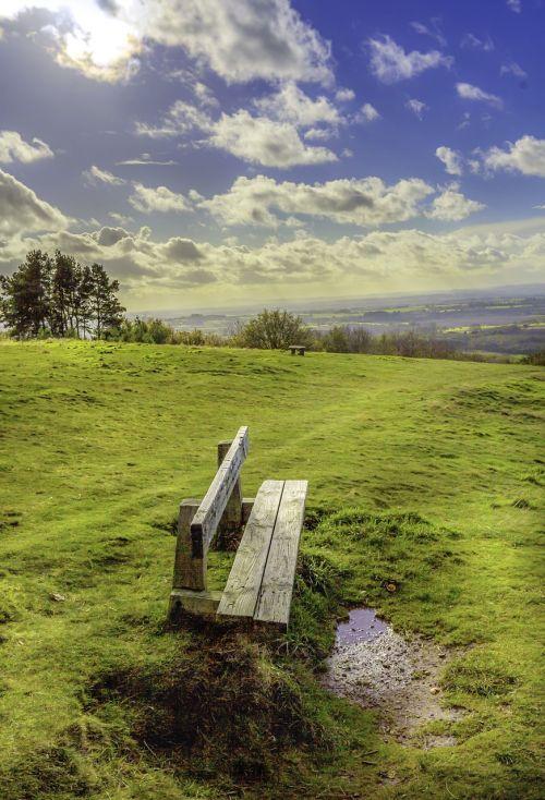 sėdynė,atviras kaimas,dangus,kraštovaizdis,lauke,žalias,stendas,sezonas,gamta,taikus,aplinka,spalvinga,žolė,scena,diena