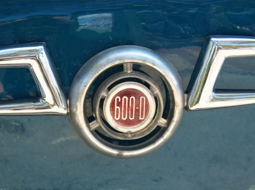 sėdynė 600,lyguma,logotipas,derliaus sėdynė,šeši šimtai,dizainas,senovinis automobilis