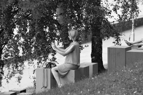savarankiškai,grožis,juoda ir balta nuotrauka,Natūralus grožis,mergaitė