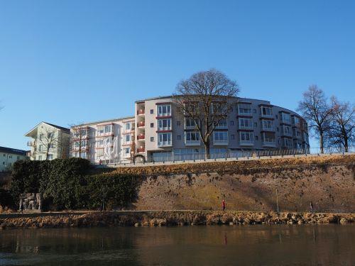 vyresnysis centras,namai,pastatas,sodyba,senelių namai,ulm,slaugos namai,trijų teismas,liuteronų namų fondas,Danube