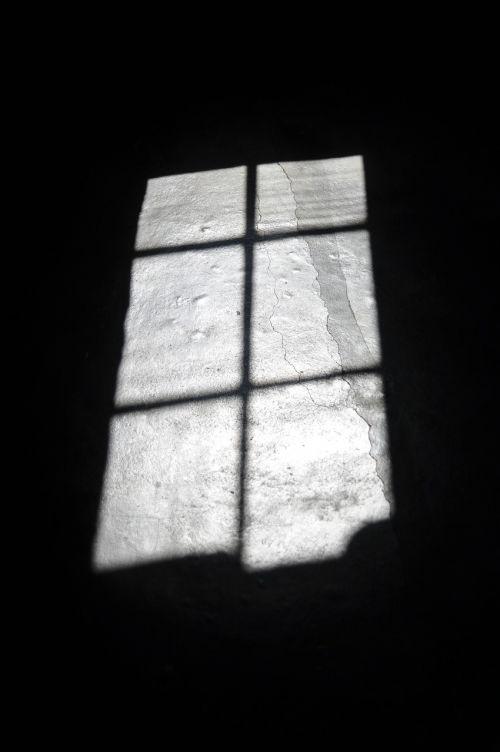 šešėlis,langas,šešėlių žaidimas,šviesa