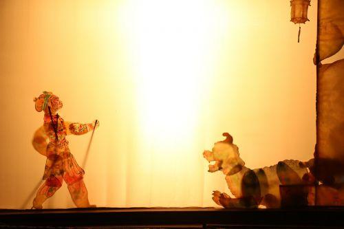 šešėlių žaidimas,beždžionė,šviesa,spektaklis,Kinija,Japonija,menas