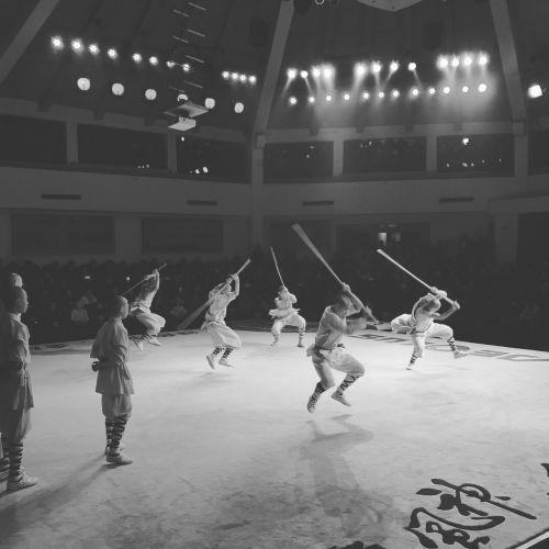 šaolinas,Kinija,vienuolis,šaolino vienuolis,kovoti,festivalis,juoda ir balta