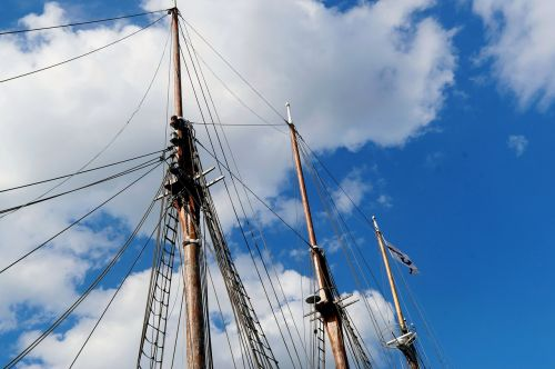 laivas,stiebai,buriu,dangus,debesuotumas,takelažas