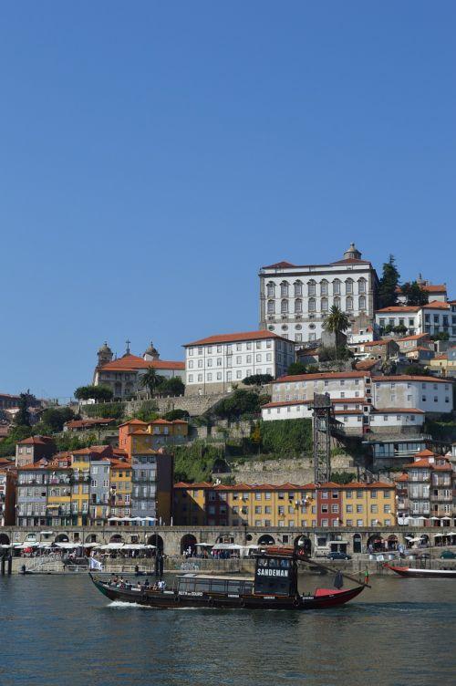 laivas,kruizas,turizmas,transportas,upė,pašto išlaidos,portugal,uostas,namai,miesto vaizdas,šventė,valtis