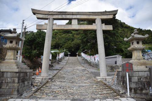 įėjimas į širmą,shimizu,Japonija,paminklas,istorinis,miškas,parkas,stulpeliai,architektūra