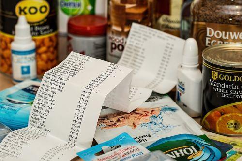 apsipirkimas,išlaidos,iki slydimo,pirkti,mažmeninė,parduotuvė,pirkti,klientas,vartotojas,gyvenimo būdas,praleisti,pirkėjas,vartotojiškumas,šaholinis,pirkimas,biudžetas,vartojimas,sumušė,prekybos centras,kaina,laikyti,kaina,komercija,bakalėja,ekonomika,maistas,pirkti,kvitas,sumokėti,prekes,pinigai,pardavimas,mokėjimas,kasa