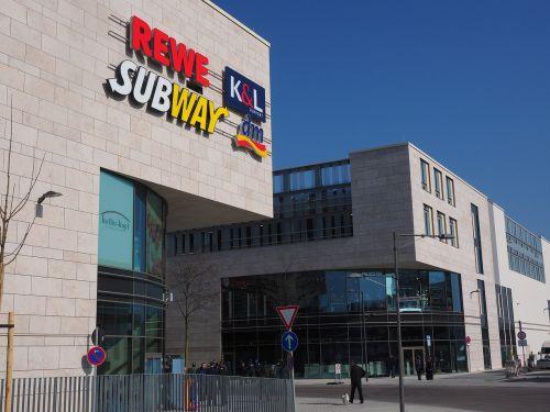 prekybos centras,apsipirkimas,prekybos centras,prekybos centras,prekybos centras,mažmeninės prekybos parduotuvės,aptarnavimo punktai,sektoriai,rewe,metro,dm,k l,nauja ulma,naujas pastatas,pastatas,architektūra,kelias,pėsčiųjų,glacio galerija