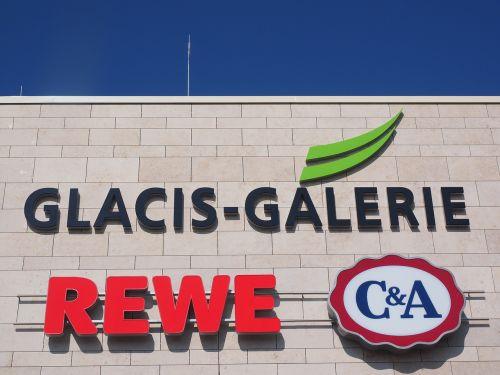 prekybos centras,apsipirkimas,prekybos centras,prekybos centras,prekybos centras,mažmeninės prekybos parduotuvės,aptarnavimo punktai,sektoriai,reklama,reklaminiai ženklai,skelbimas,rewe,c a,Media Markt,glacio galerija,nauja ulma