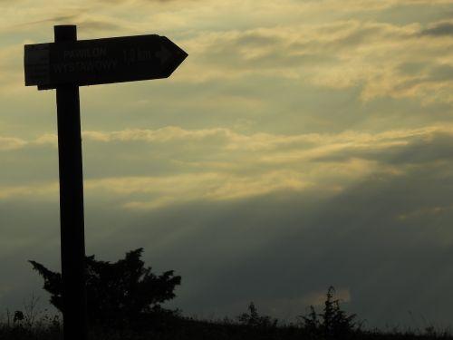 ženklas,turizmas,ženklas,žygių takas,takas,kelias,kalnai,gamta,Lenkija,poraštės,kryptis,kelionė,vaizdas,strėlės,paskyrimas,takas,pėsčiųjų takai