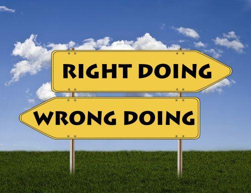 ženklai,teisingai,neteisingai,Gerai,blogai,teigiamas,neigiamas,priešingybės,dvilypumas,kontrastas,teismo sprendimas,ne teismo tvarka,meditacija,pirmenybė,ilgesys,troškimas,nori,reikia,ilgesys,priešiškumas,nepatinka,nepasitenkinimas,diskomfortas,komfortas,žolė,skirtumų,padalinti,pasirinkimas,pasirenkant,problema,sprendimas,ego,strategija