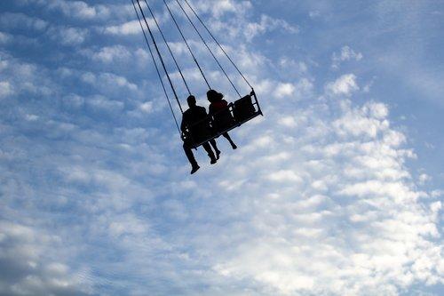 siluetas, svyravimai, dangus, sūpuoklės danguje, pora, porų, lovebirds, myliu paukščius, data, pažintys, Karnavalas data