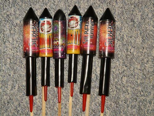 silvestre raketa,Naujųjų metų vakaras,šaudyti,milteliai,švesti,vakarėlis,spalvinga,purkšti,spalva,juodi milteliai