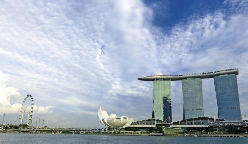 Singapūras,Marina bay smėliai,Singapūras orientyras,Singapūras lėktuvas,Singapūro upė,mėlynas dangus,viešbutis,turizmas,orientyras,kelionė