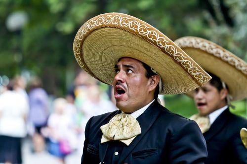 dainininkė,meksikanai,dainuoti,vyras,skrybėlę,apsirengęs,veidas,menininkai,gatvės menininkai