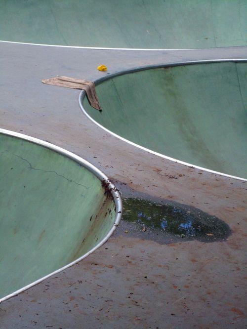 riedlenčių parkas,kompozicija,dubuo,purvas,šlapias,abstraktus