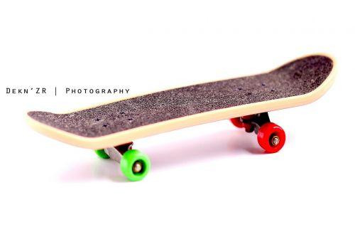 riedlentė,sporto įranga,Sportas,veikla,važinėjimas riedlente,skateboard