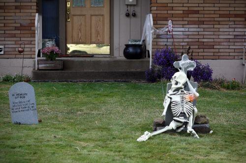 skeletas, kapas, kapinės, Halloween, apdaila, papuoštas, kiemas, priekinis & nbsp, kiemas, šventinis, sezonas, kritimas, ruduo, sezoninis, kaukolė, baisu, skeleto apdaila
