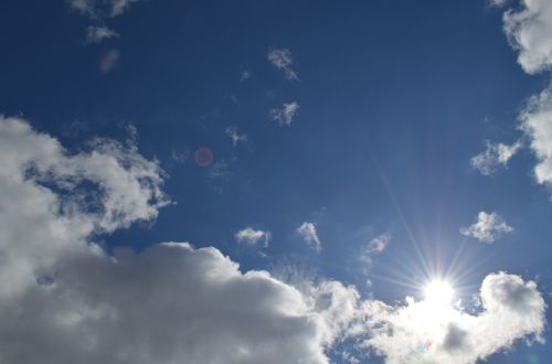dangus,saulė,debesys,vasara,gamta,saulės šviesa,diena,šiluma,mėlynas,šviesa,saulės šviesa