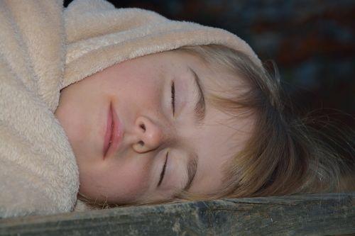 miegoti,vaikas,mergaitė,antklodė,miega,naktis,pavargęs,žmogus,poilsis,spustelėkite,miegoti,nuovargis,svajones,svajonė