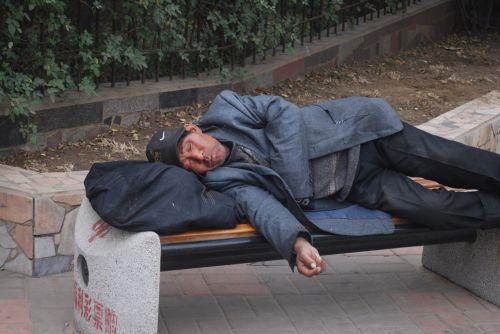 vyras, miega, dreifas, HBO, vagabond, trumpalaikis, miegantis dreifas