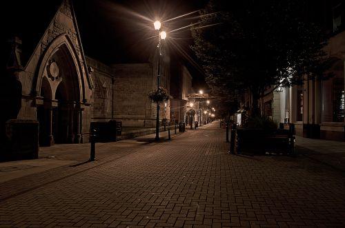 miega, miestas, miegoti, naktis, vakaras, tamsi, architektūra, lempos, apšvietimas, baisus, tuščia, soma, šaligatviai, parduotuvės, uždaryta, Miestas, fonas, Anglija, uk, astronomas, miegantis miestas