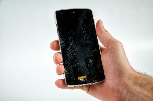 išmanusis telefonas,sunaikintas,pažeista,defektas,ekranas,Mobilusis telefonas,mobilusis prietaisas,android,remontas,rodyti,apsauga,įtrūkimai,šokinėti,kritimas,avarija,nesėkmė,nesėkmė,nelaimė,ranka,laikyti