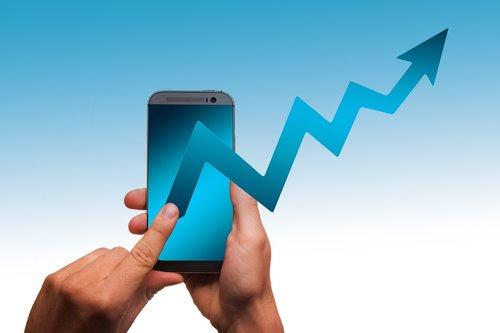 Išmanusis telefonas, pradėti, bendrovė, pinigai, arrow, sėkmė, verslo, Finansai, pelno, ekonomika, kreivė, kryptis, Žinoma, sėkmės kreivė, sėkmingas, statistika, simbolis, Karjera, tendencija, Top, bumas