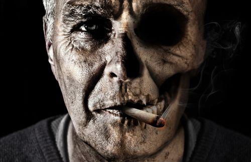 rūkymas,cigarečių,dūmai,nesveika,cigaras,priklausomybe,plaučių vėžys,tabakas,labai priklausomybę,naudos iš,mirtinas,veidas,vyras