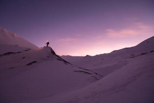 sniegas,randonée,mėlynas,nuotykis,kalnas,gamta,snieguotas kraštovaizdis,Šiaurės ašigalis,arktinė,stebuklinga naktis,svalbaras,ilgai gyvena,šiaurės žiburiai,alaska,naturen nuotykiai,ledo nuotykis,pasivaikščiojimas,kelionė,ledas,žvaigždės