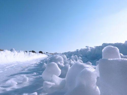 sniegas,žiema,šaltas,ledinis,kelias,snieguotas,dangus,mėlynas,gruodžio mėn .,sniegas,sušaldyta,žiemos metu,sausis,ledinis,užšaldyti,lauke